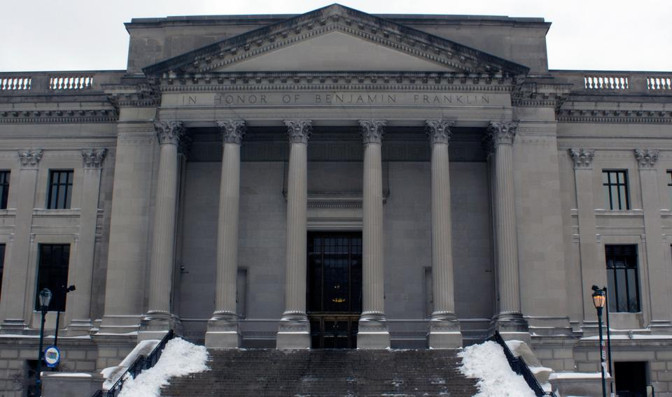 The Franklin Institute on a snowy day