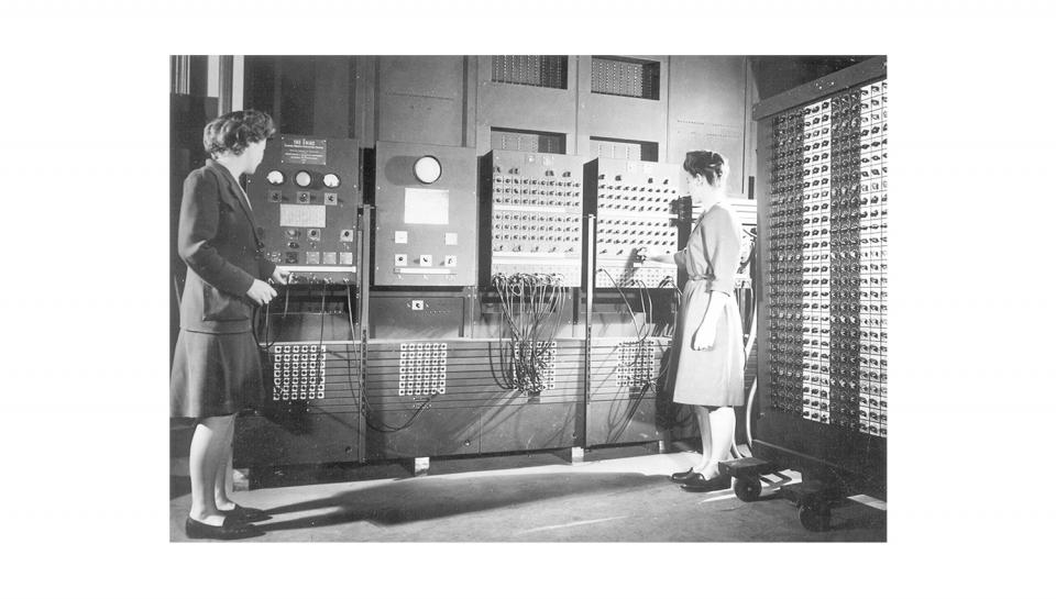 A team of women engineersresponsible for programming the ENIAC.
