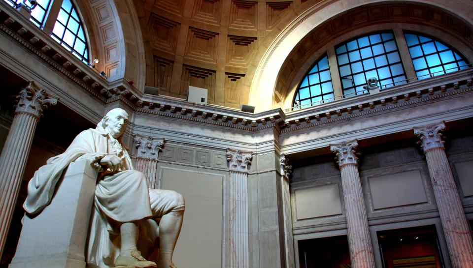 shot of Benjamin Franklin memorial in the atrium at The Franklin Institute