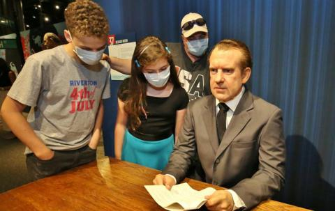 """Richard Nixon with visitors in """"The Presidents by Madame Tussauds"""" exhibit"""