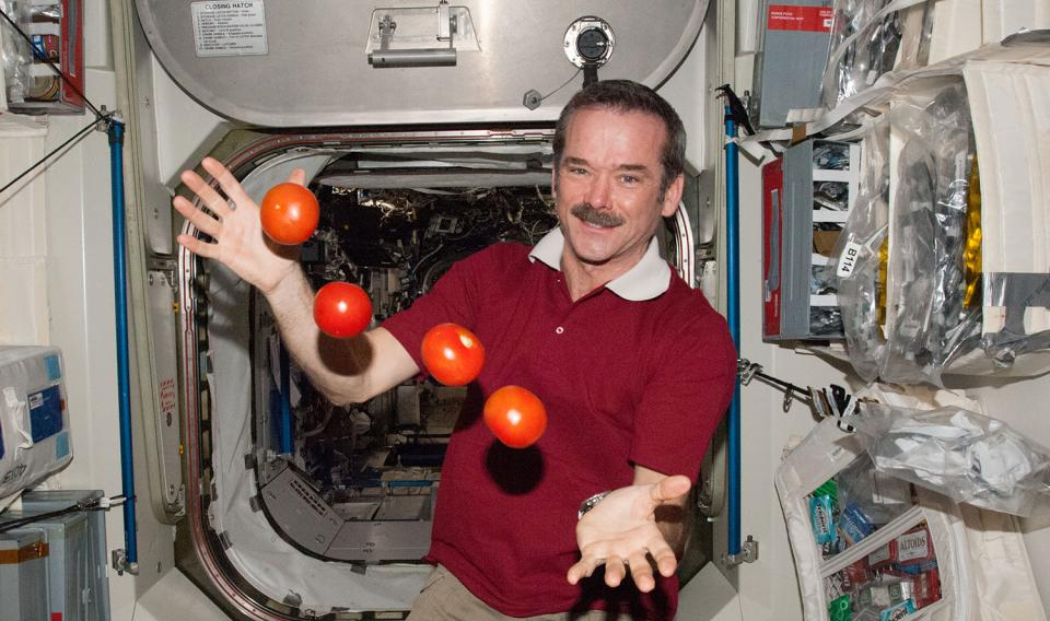 can astronauts eat in space suits - photo #8